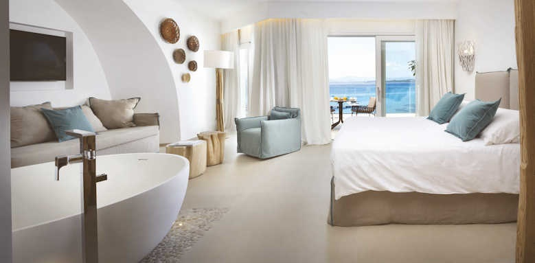 Gabbiano Azzurro, Luxury pool suite