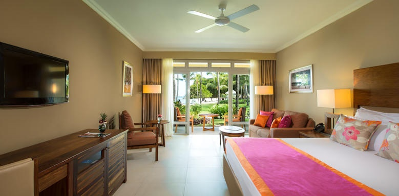 Sands Suites Resort & Spa, beachfront suite sea view