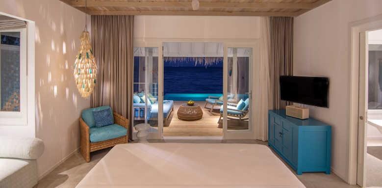 Finolhu, ocean pool villa