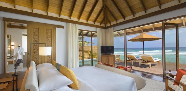 Anantara Veli Resort & Spa, ocean pool bungalow