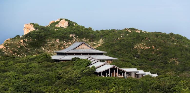 Amanoi, pavillion lake view
