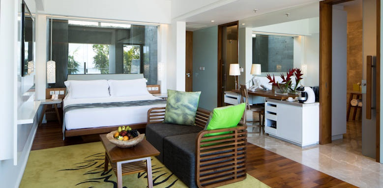 Maya Sanur, beachfront pool suite