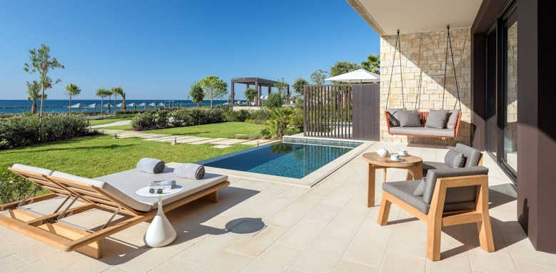 Amara, seafront cabana with private pool