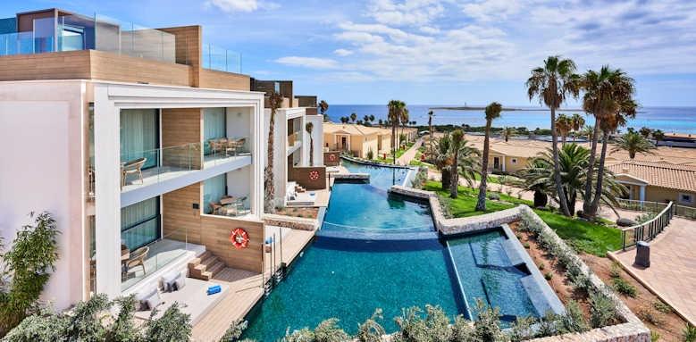 Insotel Punta Prima, superior family suite swim up