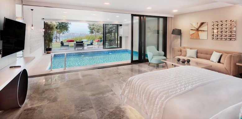 Le Meridien Bodrum Beach Resort, indoor grand pool suite