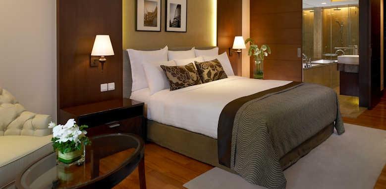 Anantara Riverside Bangkok Resort, deluxe room