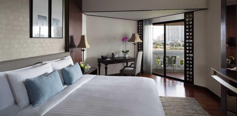 Anantara Riverside Bangkok Resort, Deluxe River View Room