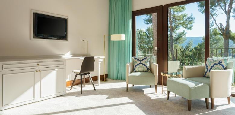 Castillo Hotel Son Vida, Classic Terrace Room Image