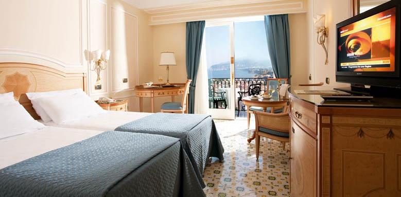 Grand Hotel Capodimonte, room with balcony