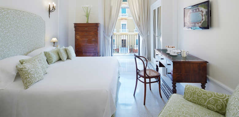 Grand Hotel Excelsior Vittoria, classic garden view