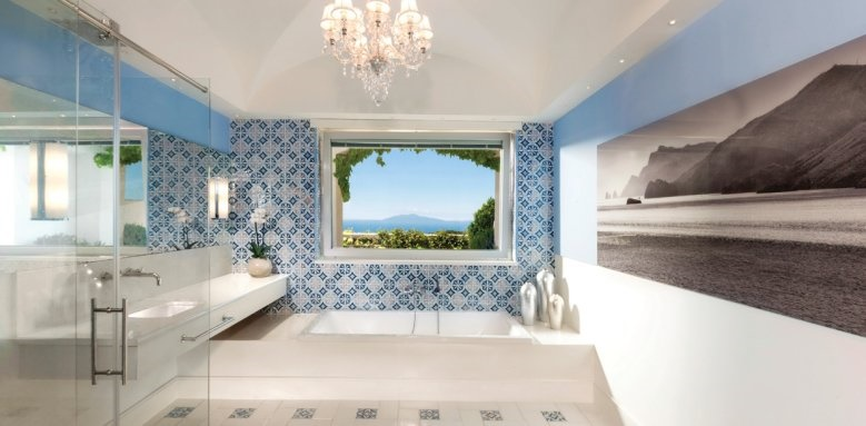 Capri Palace Hotel & Spa, Executive Suite Bathroom