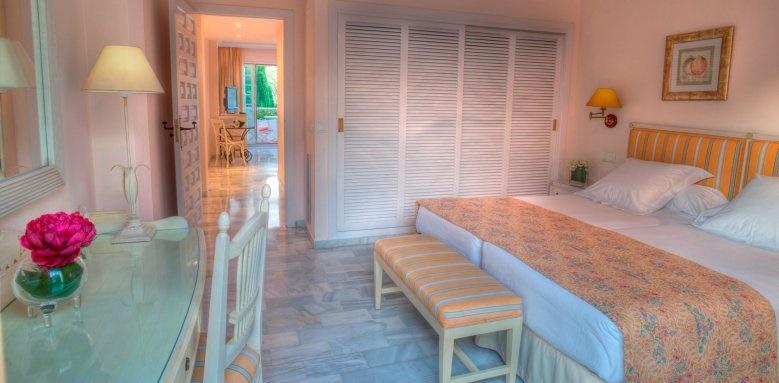 Puente Romano Beach Resort Marbella, Garden View Room