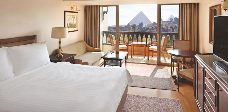Marriot Mena House,, deluxe pyramid view