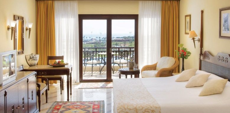 Steigenberger Al Dau Beach Hotel, Deluxe Suite
