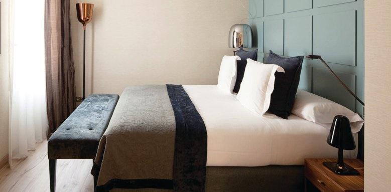 Gallery Hotel, deluxe room