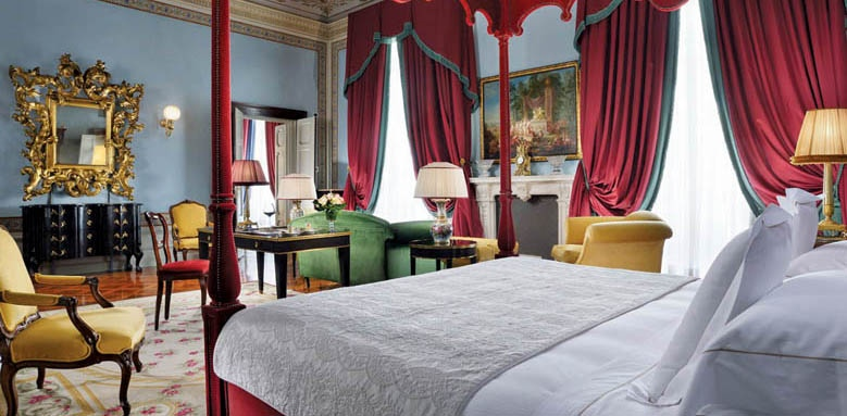 Grand Hotel Villa Cora, junior suite