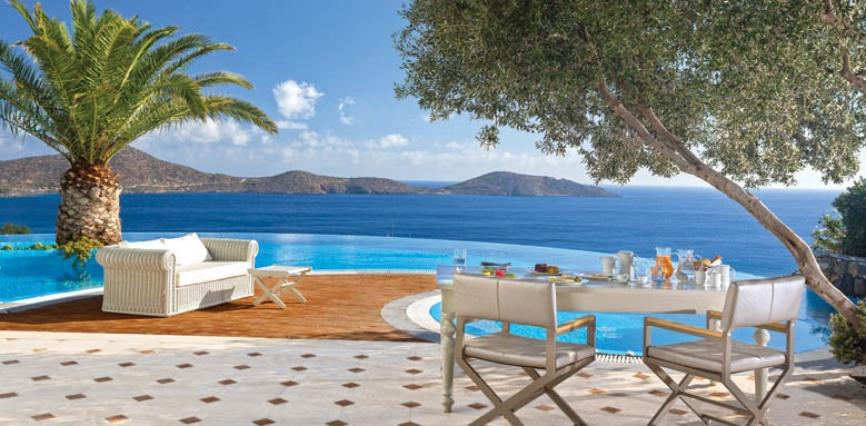 Elounda Gulf Villas & Suites, Presidential villa breakfast by the pool