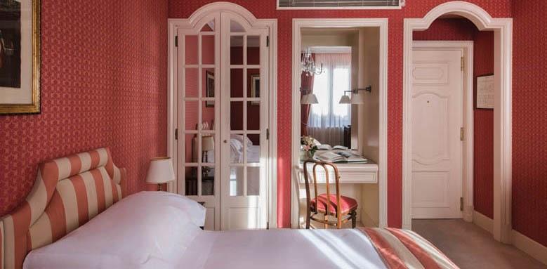 Helvetia & Bristol, classic room