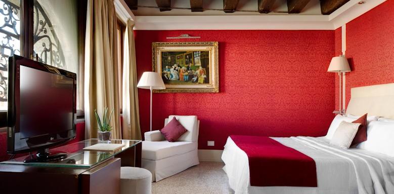 Hotel Palazzo Giovanelli, junior suite partial grand canal