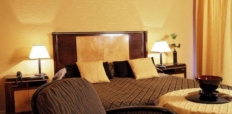 Metropole Hotel, Deluxe Double Room