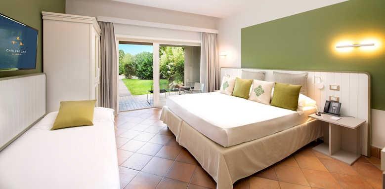 Hotel Village, cottage room, green interior