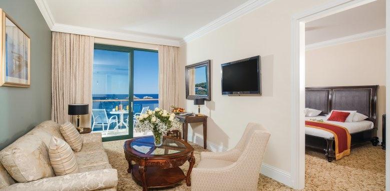 Royal Princess Hotel, Deluxe Suite Sea View