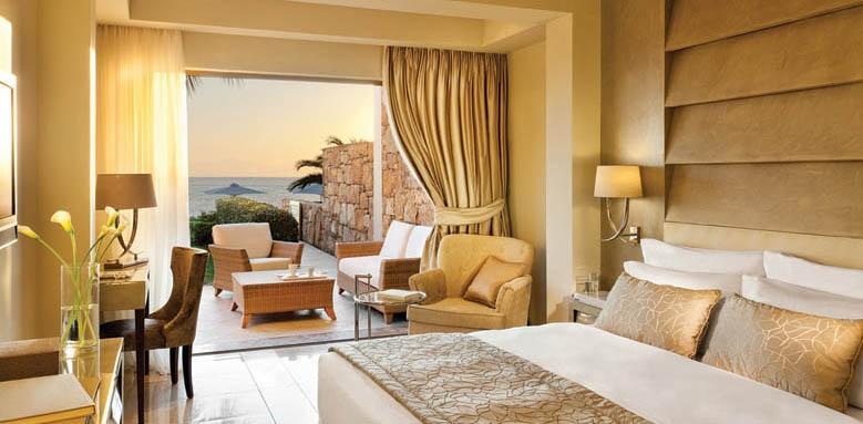 Sani Asterias Suites, beach front suite