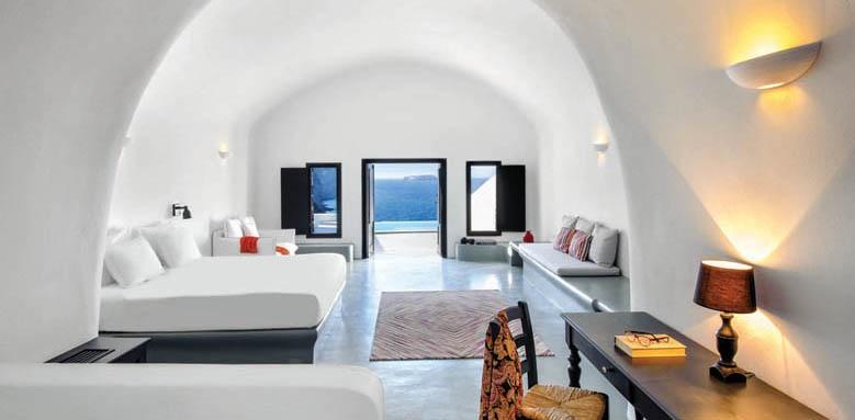 Ambassador, infinity cave suite