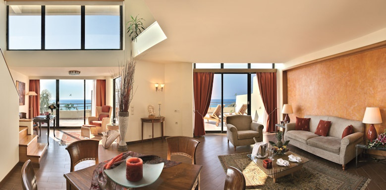 amathus beach, riodan suite