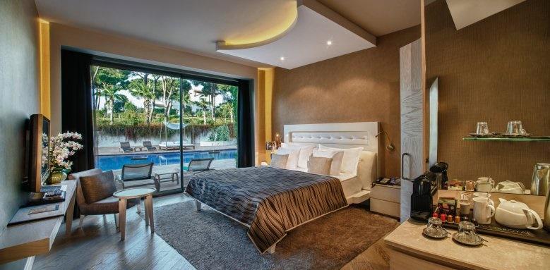 Maxx Royal Belek Golf Resort, terrace laguna family suite