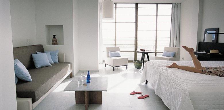 Almyra, Junior Suite
