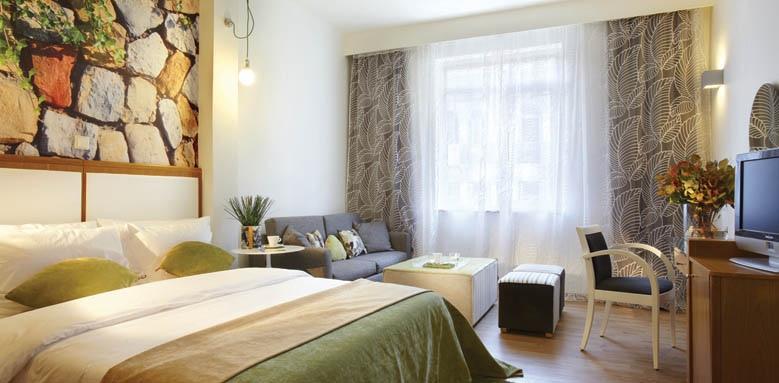 City Hotel, junior suite