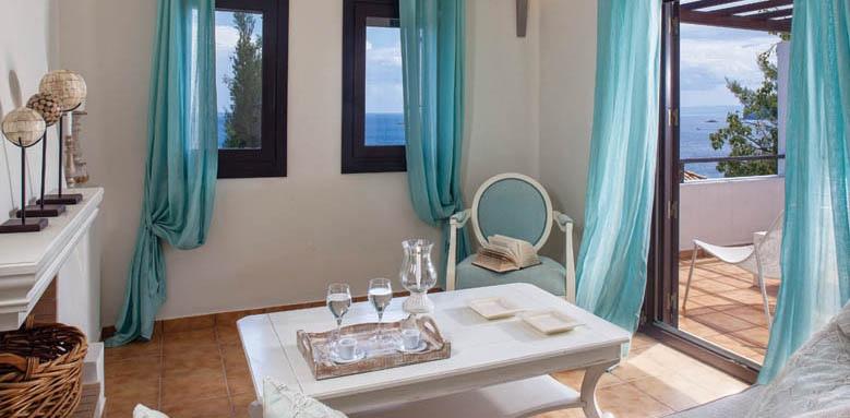 Aegean Suites, deluxe suite