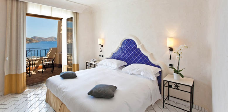 Therasia Resort Sea & Spa, comfort room
