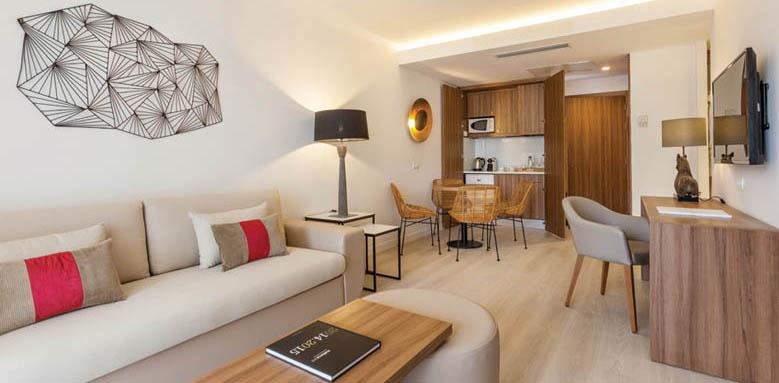 Hotel Viva Zafiro Alcudia & Spa, Penthouse Suite, Living Area