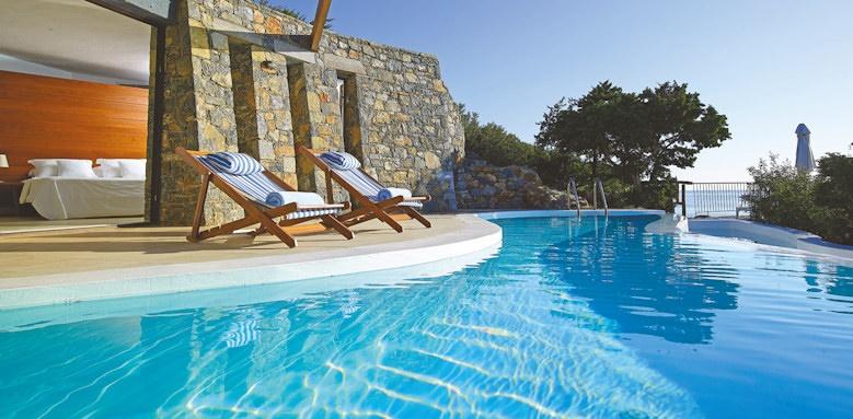 st nicolas bay, daphne and chloe villa