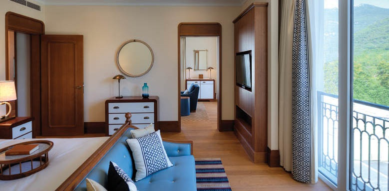 Regent Porto Montenegro, Deluxe Room Mountain View