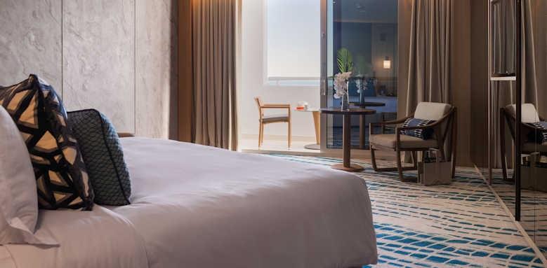 Jumeirah Beach Hotel, ocean deluxe balcony room