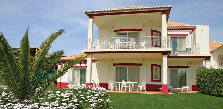 Encosta do Lago, apartment and garden