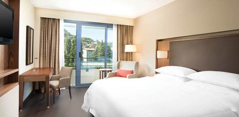 Sheraton Lake Como, Deluxe Room