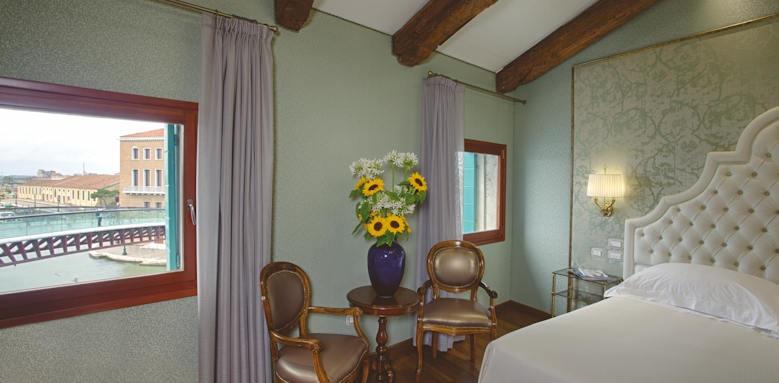 Hotel Santa Chiara, Deluxe Grand Canal View Image