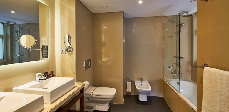 Porto Bay Marques, junior suite
