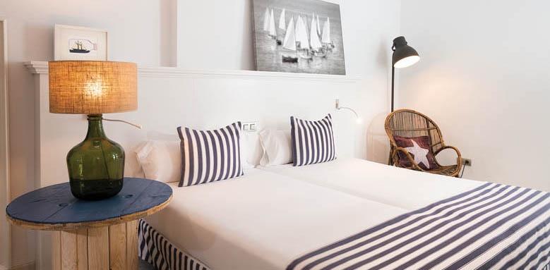 Marina Suites, Standard