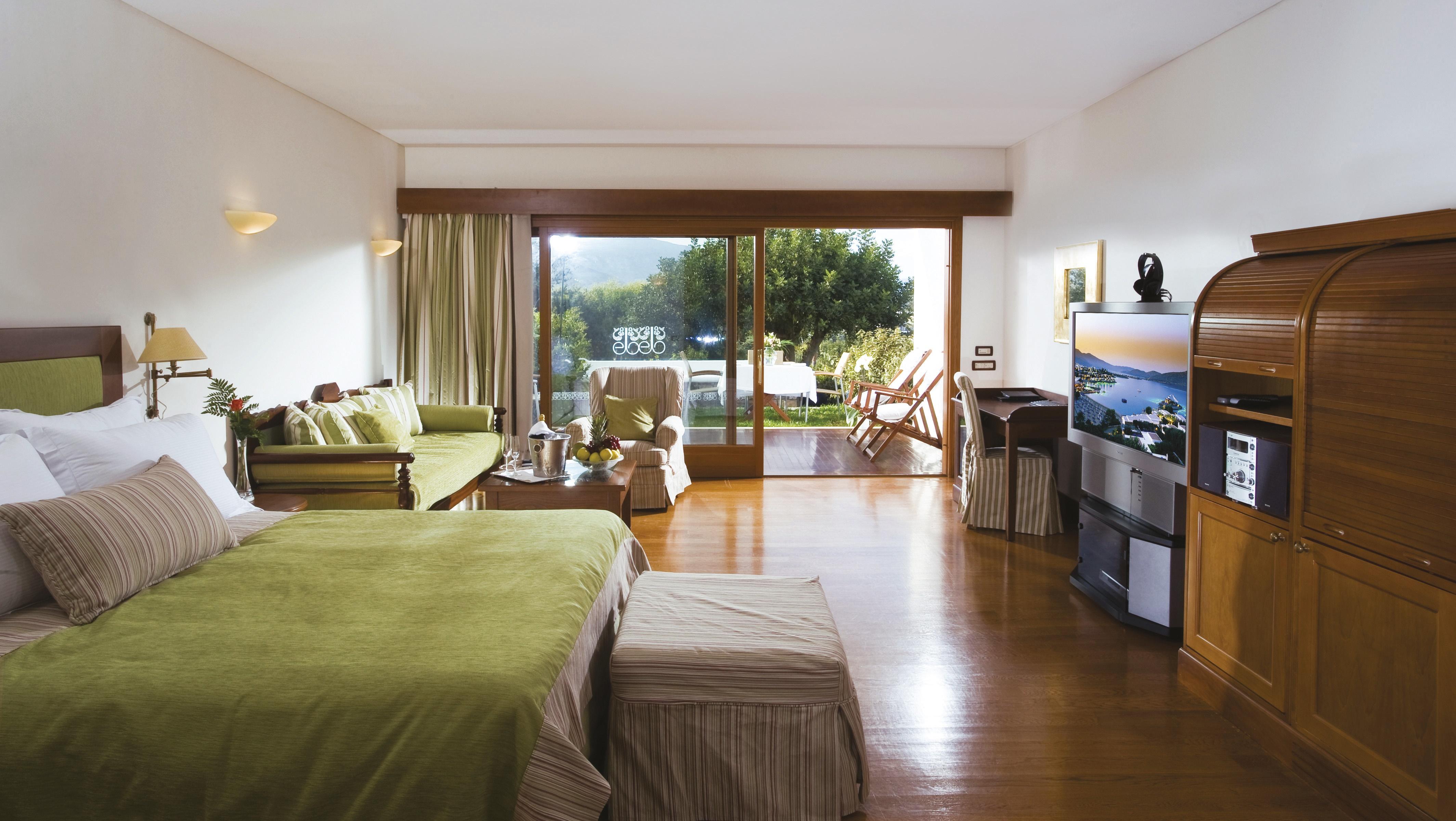 Elounda Beach Hotel, Deluxe room garden view