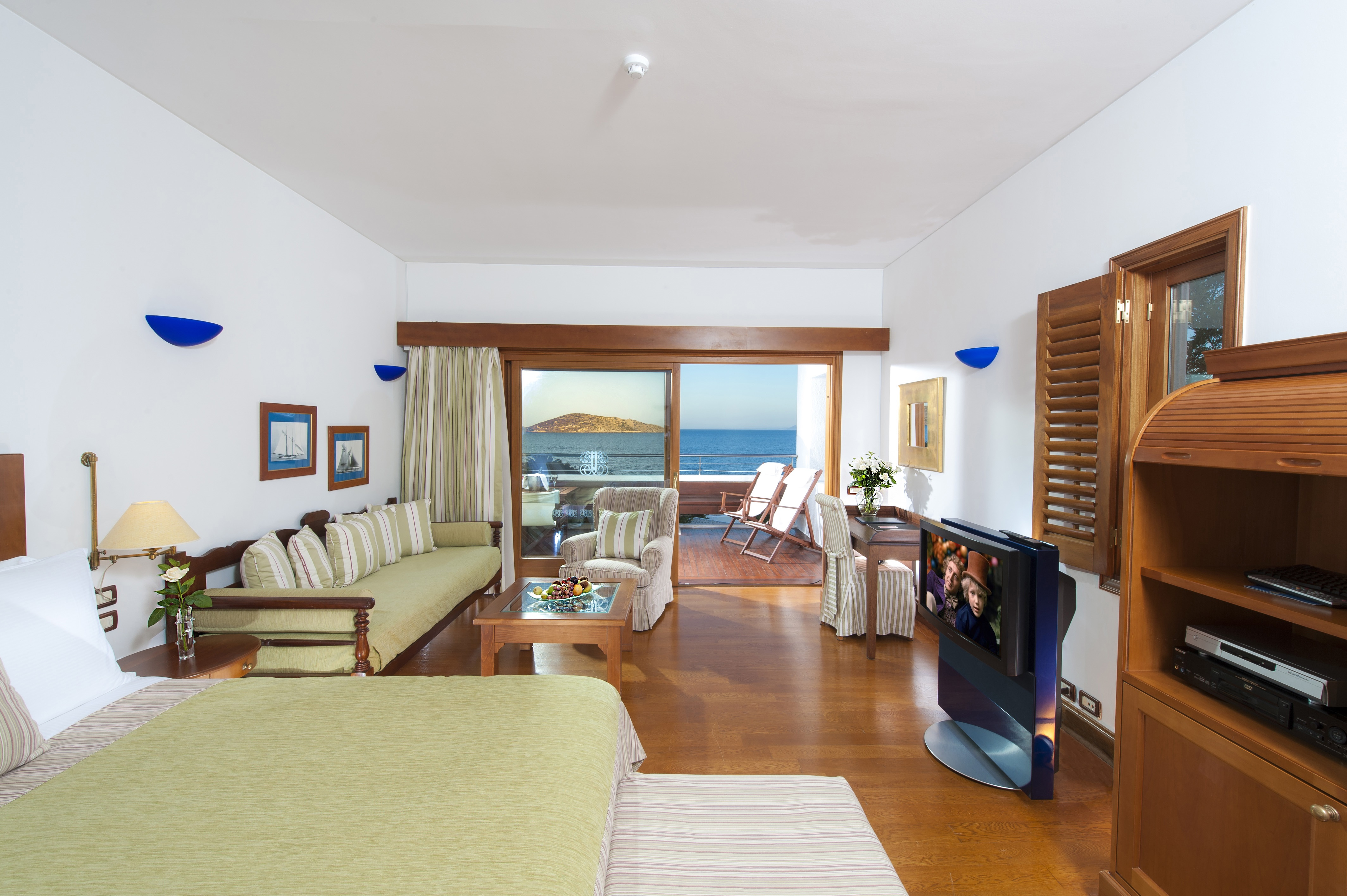 Elounda Beach hotel, Deluxe room sea view