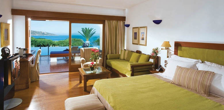 elounda Beach Hotel, Deluxe room spa sharing pool