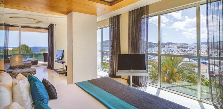 aguas de ibiza, grand corner suite