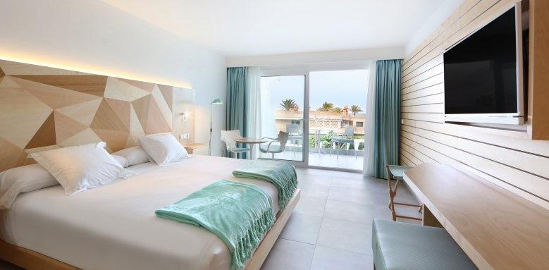 Iberostar Playa de Palma, family room
