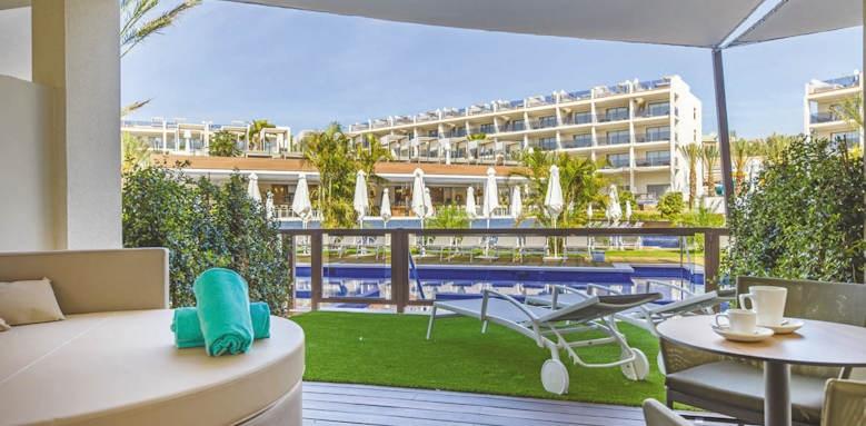 zafiro palace palmanova, junior suite swim up