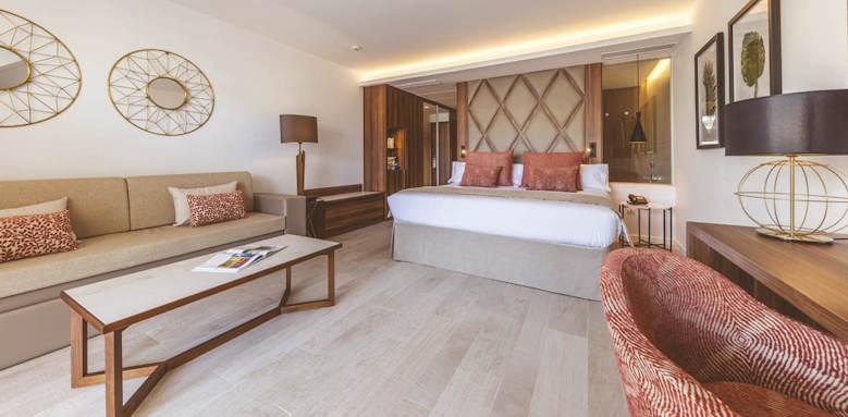 zafiro palace palmanova, penthouse suite
